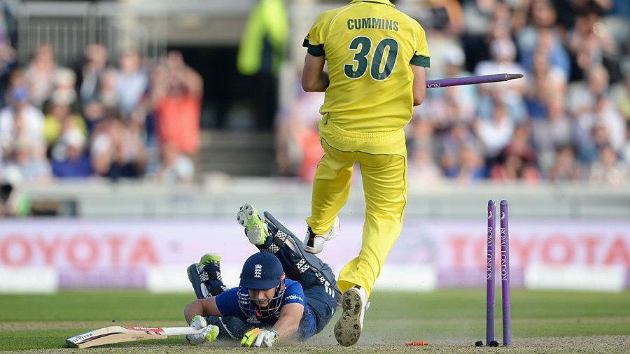 With wickets falling at the other end, Taylor got closer and closer to his maiden ODI ton. When he did finally get there it was with a desperate dive