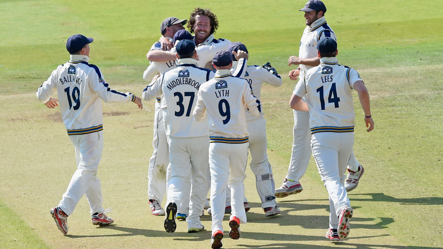 Ryan Sidebottom wrapped up Middlesex's innings with 5 for 18