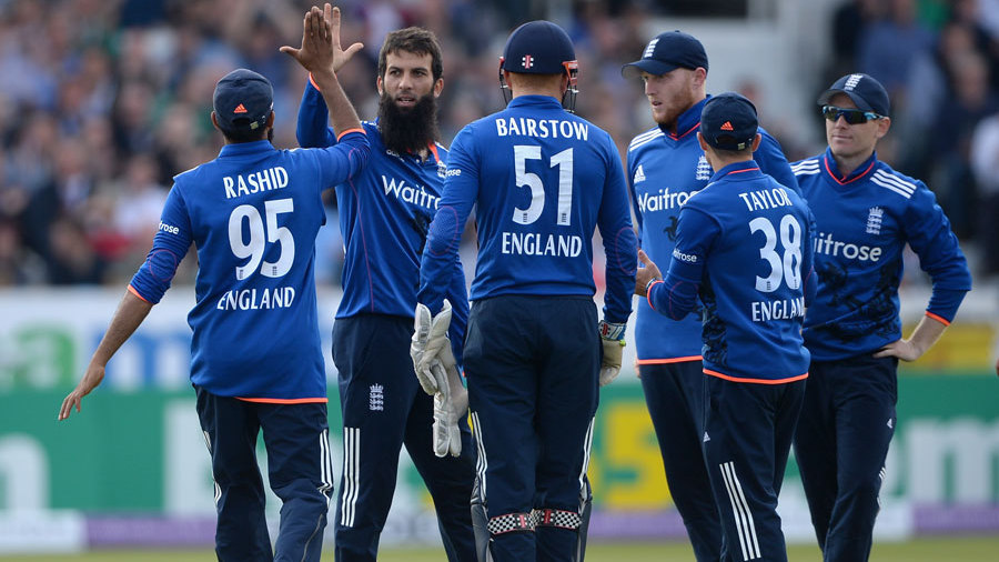 Moeen Ali took 2 for 40 in a tidy ten-over spell