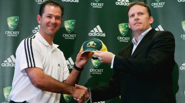 Ricky Ponting and Kevin Roberts at a sponsorship announcement in 2005