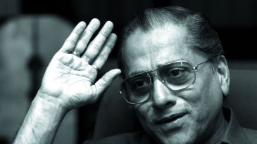 Jagmohan Dalmiya during an interview