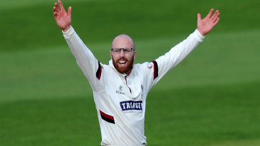 Jack Leach ran through Warwickshire's top order