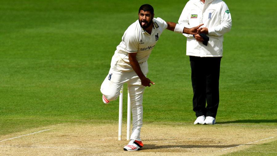 Jeetan Patel bowls