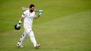 Michael Yardy leaves the field for the final time in first-class cricket