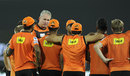 Tom Moody gathers the Sunrisers Hyderabad players for a huddle, Hyderabad, IPL 2015, May 2, 2015