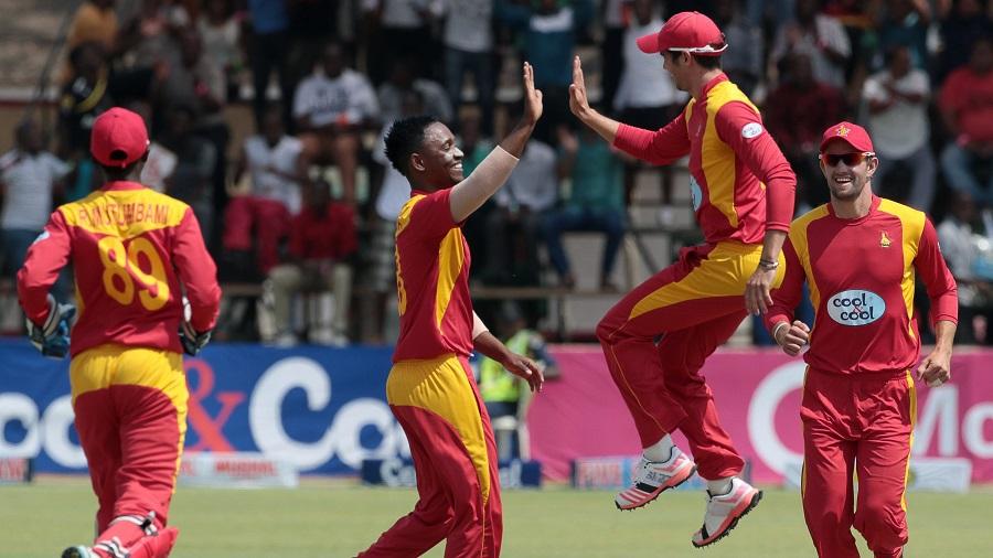 Chamu Chibhabha takes a high-five