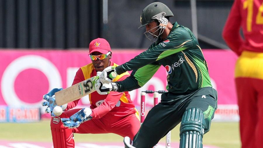 Shoaib Malik top-scored for his side