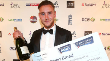 Stuart Broad with his Investec Test Player of the Summer award