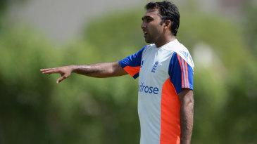 Mahela Jayawardene will work with England's batsmen in the UAE