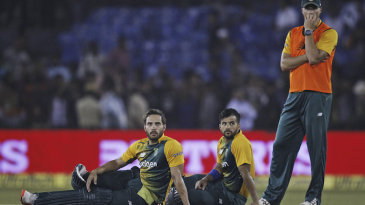 Farhaan Behardien and JP Duminy look on during a crowd interruption