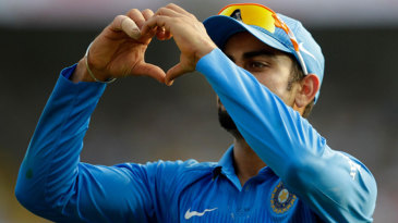 Virat Kohli shares some love with the crowd