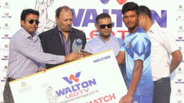 Nazmul Hossain Shanto at the presentation ceremony