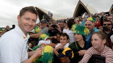 Michael Clarke poses with kids at the Ashes winners photocall at Sydney Opera House