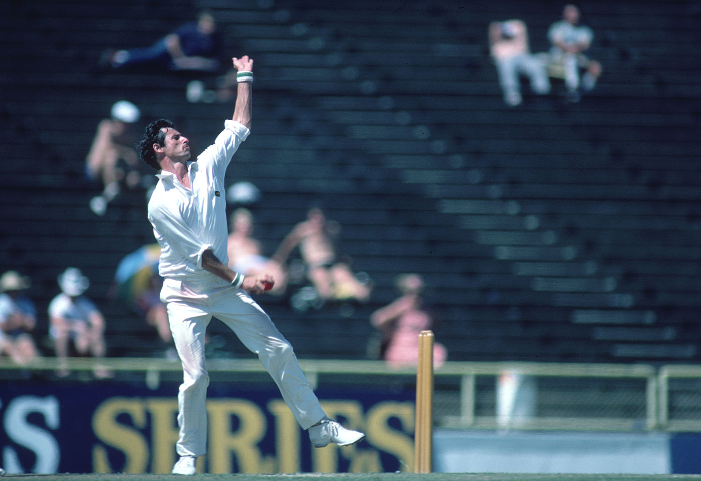 Hadlee took 9 for 52 and 6 for 71 in the innings win
