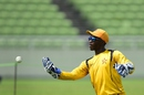 Richmond Mutumbami goes through a practice drill, Dhaka, November 4, 2015