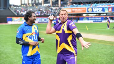 Two of the greatest spinners of all time, Muttiah Muralitharan and Shane Warne, have a chat