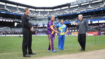 Shane Warne and Sachin Tendulkar at the coin toss