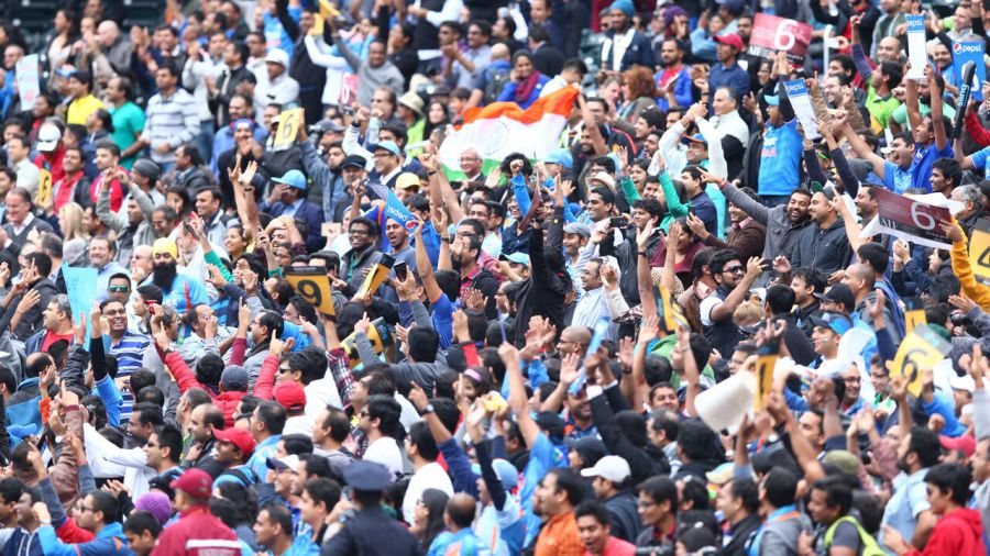 South Asian expat fans go crazy for Tendulkar