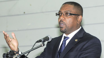 Dave Cameron speaks at a WICB townhall meeting