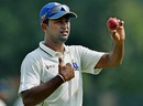 Pragyan Ojha acknowledges his seven-wicket haul, Bengal v Vidarbha, Ranji Trophy 2015-16, Group A, 3rd day, Kolkata, November 9, 2015