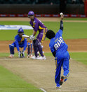 Muttiah Muralitharan bowls to Michael Vaughan, Sachin's Blasters v Warne's Warriors, 2nd T20, Houston, November 11, 2015