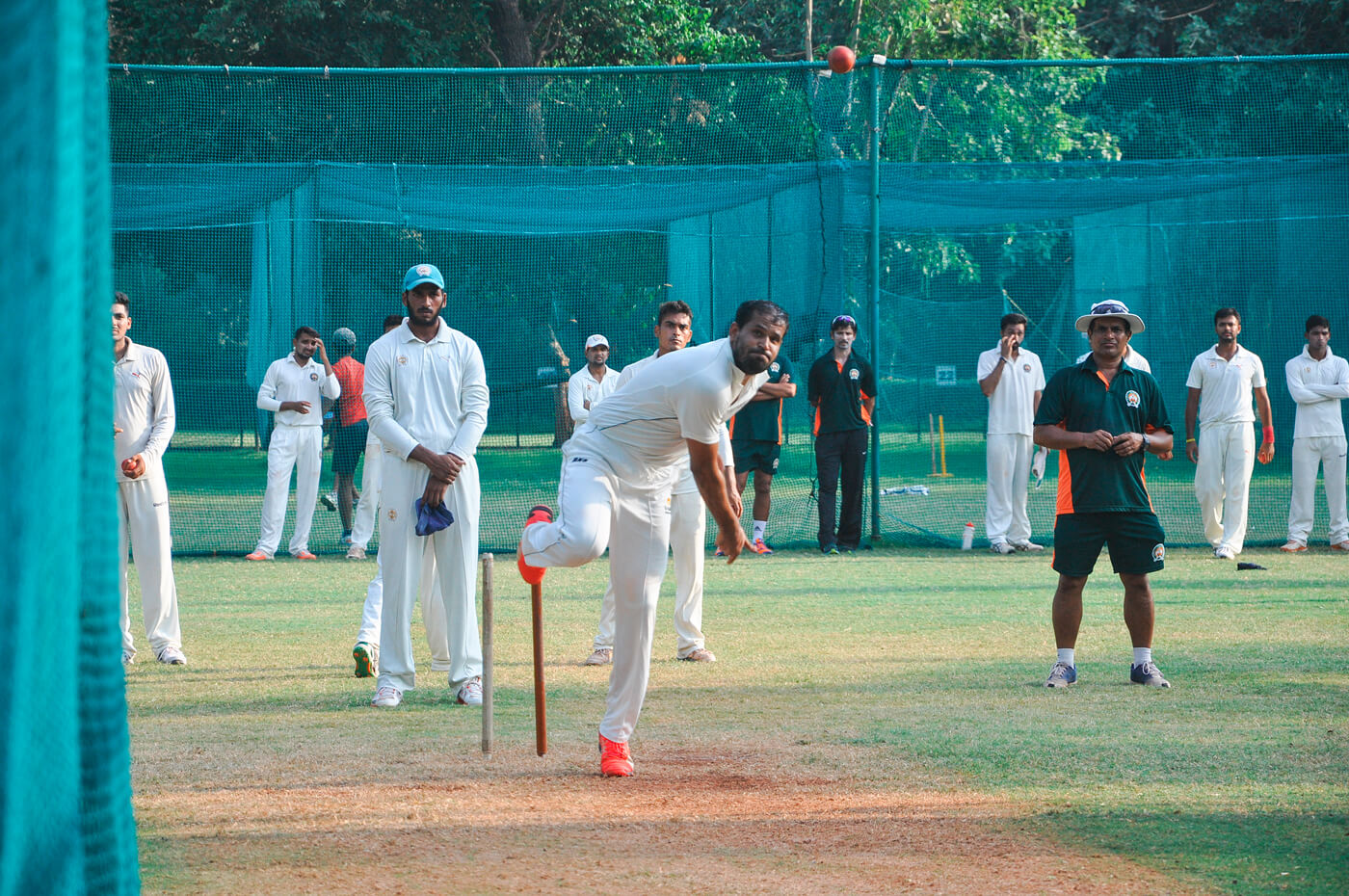Yusuf tosses one one up at the nets at Motibaug Cricket Club in Vadodara