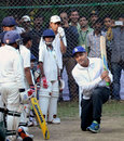 Virender Sehwag with kids at a batting clinic in Bhopal, November 21, 2015