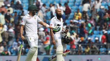 Hashim Amla and Faf du Plessis dug in during another tough session