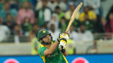 Shahid Afridi almost turned the match around with 24 off eight balls