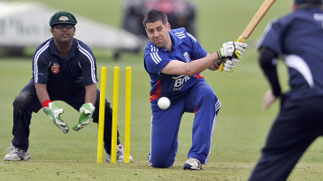 Action from a blind cricket match between England and Australia