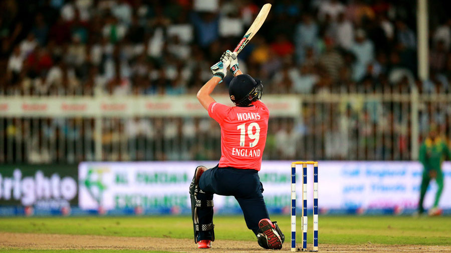 Chris Woakes lofts inside out