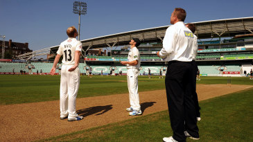 Gareth Batty and Chris Read at the toss
