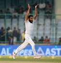 Imran Tahir thinks he has a wicket, India v South Africa, 4th Test, 1st day, Delhi, December 3, 2015