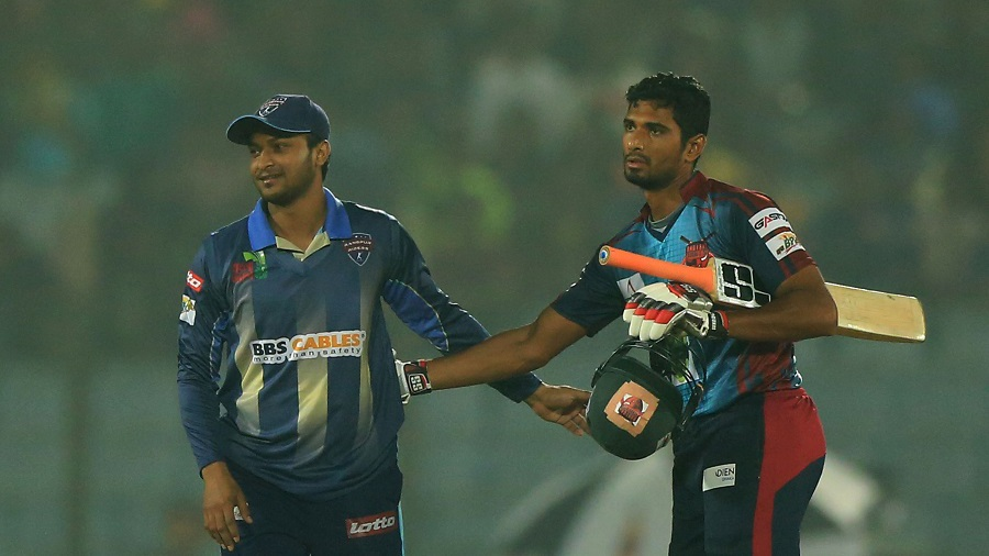 Shakib Al Hasan and Mahmudullah shake hands after the match