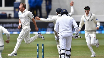 Neil Wagner flattened Angelo Mathews' middle stump