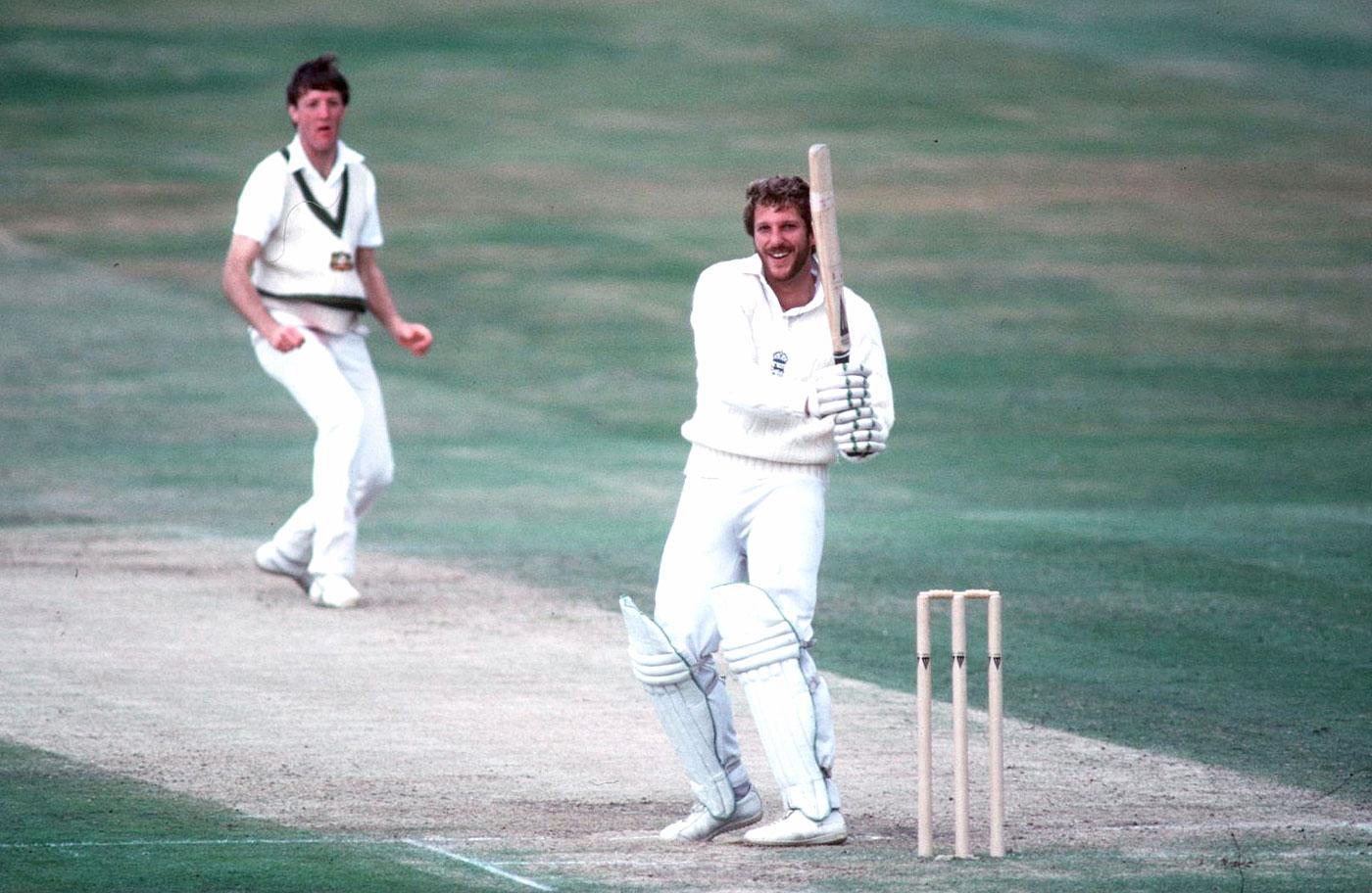 Ian Botham pulls Geoff Lawson