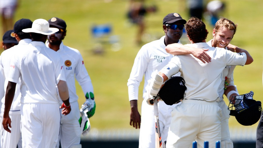 BJ Watling struck the winning runs and gets a hug from Kane Williamson