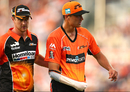 Nathan Coulter-Nile walks off the field after injuring his shoulder, Perth Scorchers v Adelaide Strikers, Big Bash League 2015-16, Perth, December 21, 2015