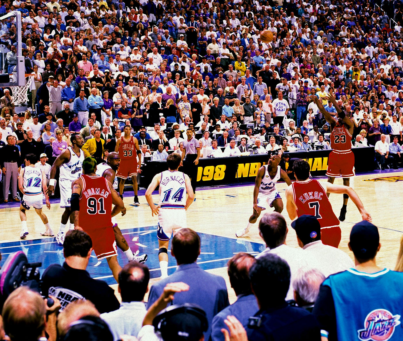 Last shot: with ten seconds left on the clock, Michael Jordan nails the 20-footer to beat Utah Jazz 87-86 in 1998*