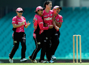 Marizanne Kapp gave Sydney Sixers early momentum with two top-order wickets, Sydney Sixers Women v Perth Scorchers Women, Women's Big Bash League 2015-16, Sydney, December 20, 2015