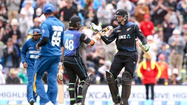 Martin Guptill and Tom Latham chased down 118 in just 8.2 overs