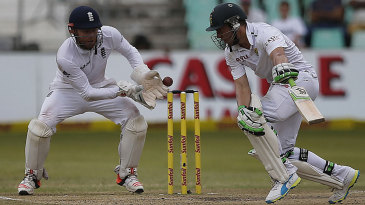 Jonny Bairstow missed a stumping chance off AB de Villiers