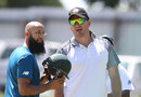 Graeme Smith chats with Hashim Amla during a net session, Cape Town, January 1, 2016