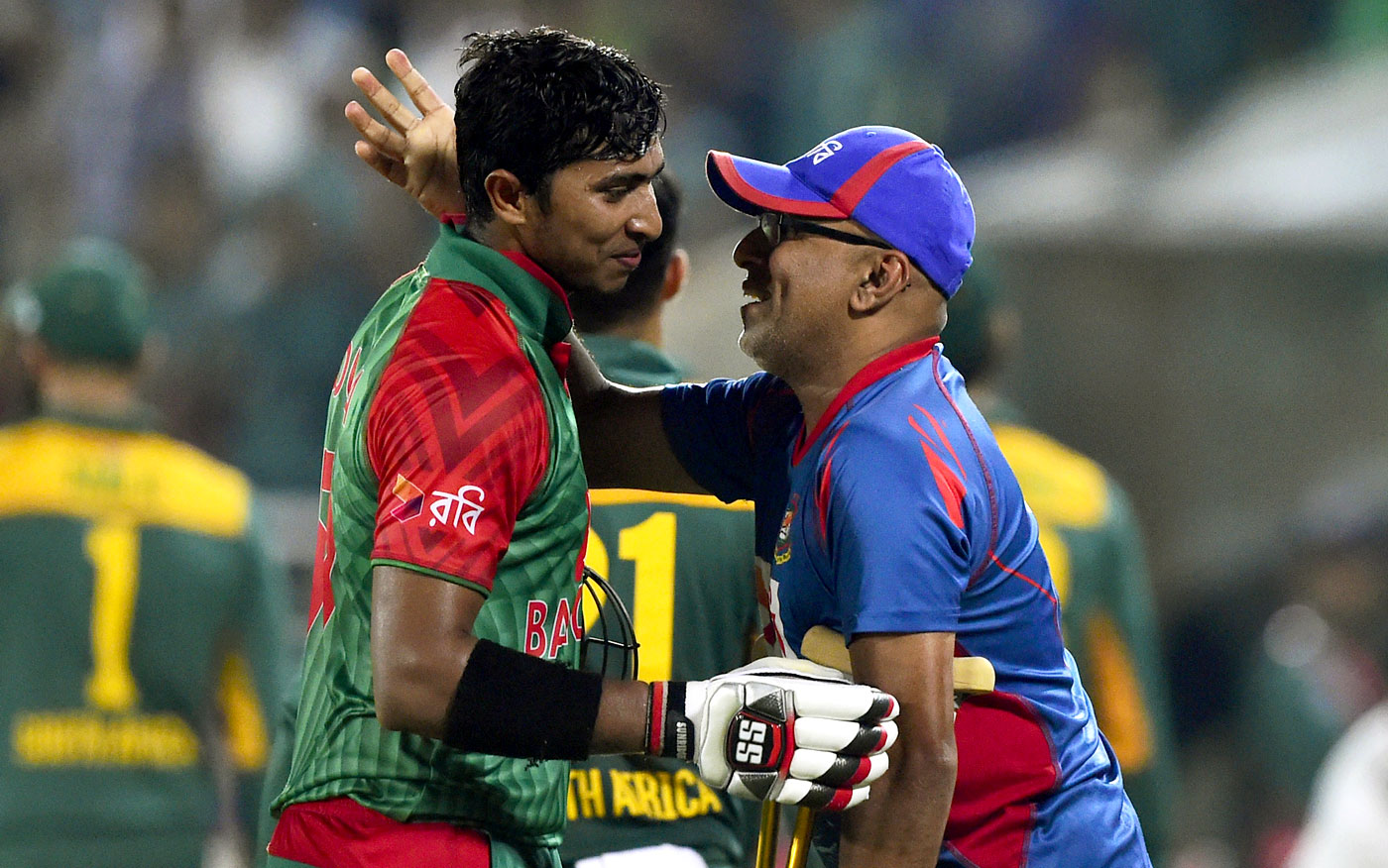 Sri Lanka wins toss, bats first in Bangladesh's 100th test