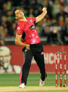 Ben Dwarshuis in his delivery stride, Melbourne Stars v Sydney Sixers, Big Bash League 2014-15, Melbourne, January 5, 2015