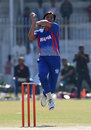 Mohammad Asif in his delivery stride, FATA v WAPDA, National One Day Cup 2015-16, Hyderabad, January 10, 2016