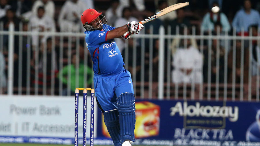 Mohammad Shahzad unleashes one of his pulls