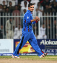 Amir Hamza dismissed Richmond Mutumbami and Malcolm Waller, 2nd T20I, Sharjah, January 10, 2016