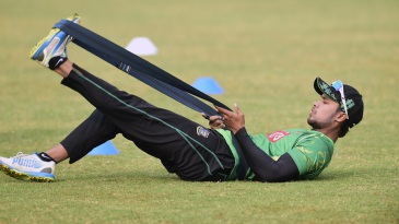 Sabbir Rahman warms up for the third T20