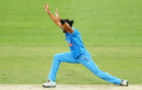 Appeal asana: Ishant Sharma appeals unsuccessfully, Australia v India, 4th ODI, Canberra, January 20, 2016
